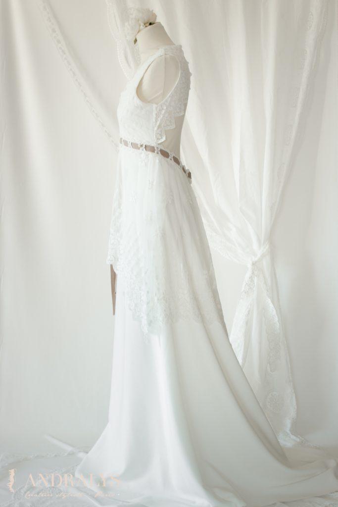 Robe de mariée champêtre bohème Ribye vu de profil