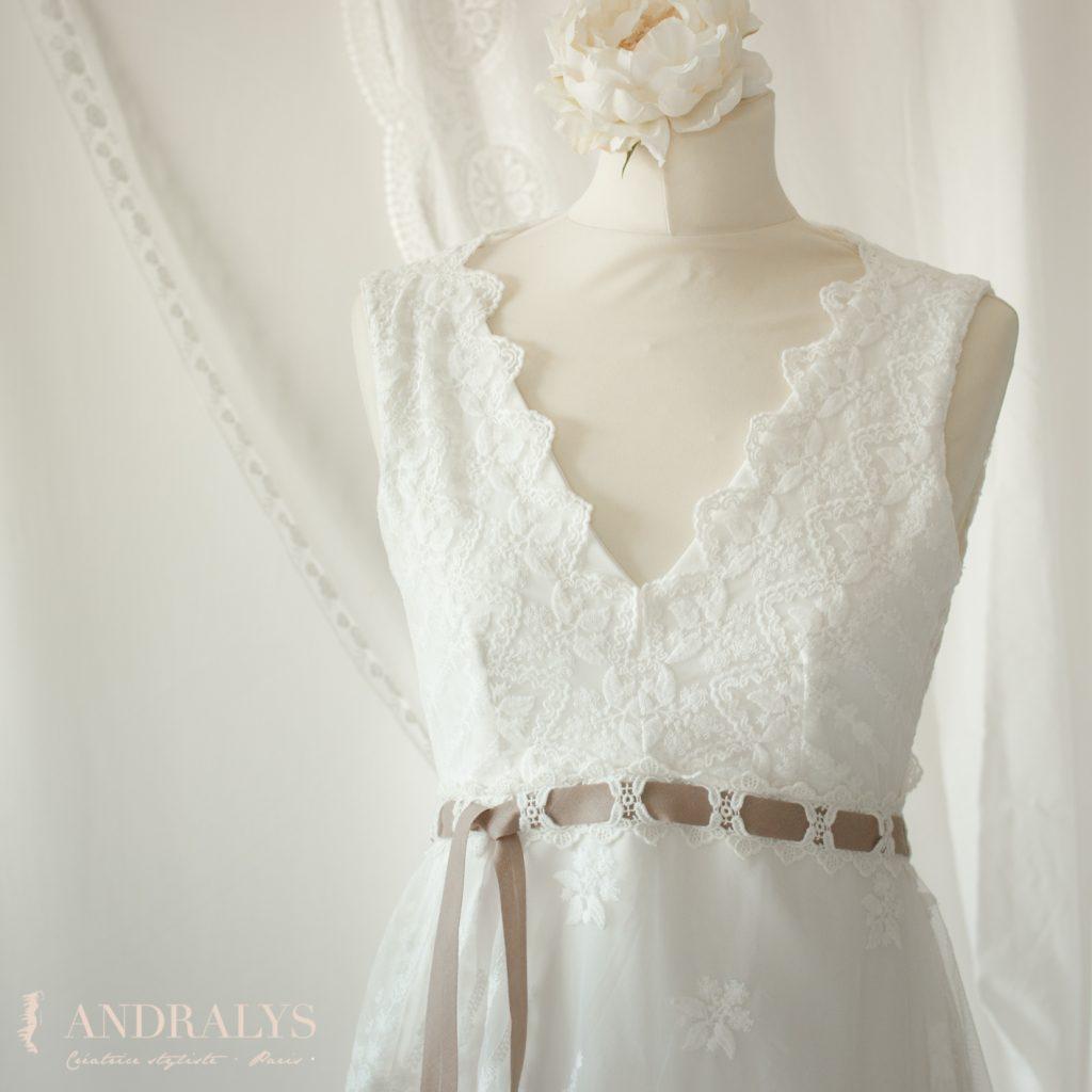 Robe de mariée champêtre bohème Ribye encolure
