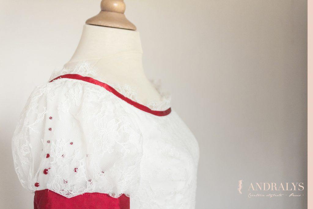 robe de mariée médiévale en dentelle de chantilly sur mesure Bordeaux